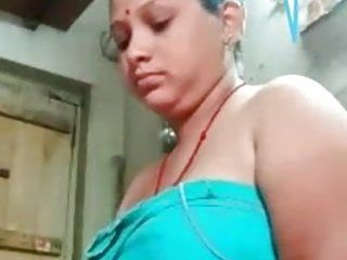 Fresh hawt hindu rss bhabi in natures garb movie scene call