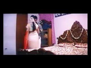 B grade mallu clip tuntari 1st night sex of indian beauty
