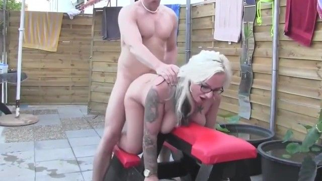 Curvy milf dilettante with glasses bonks stud at pool party