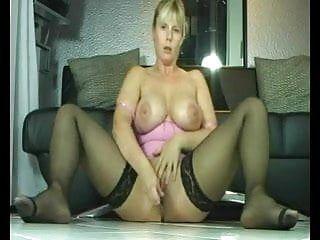 İ n breasty MİLF spritzer