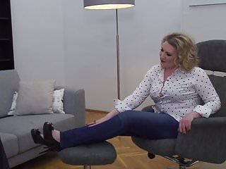 Older mamma irina receives carpet munch and coarse sex