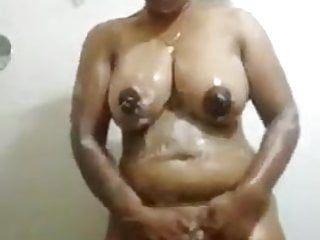 Desi bhabhi in natures garb clip