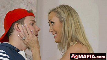 Lustful neighbourhood cougar ms. brandi love lust for a youthful schlong