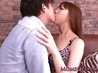 Japanese milf erina moa receives toyed closeup