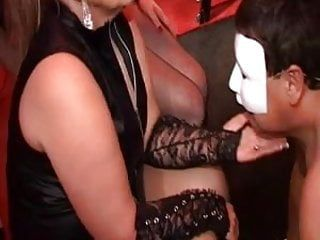 Milfs ding-dong lo scopa nel vip