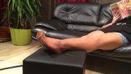Lungo gioco di gambe in nylon da parte della mia matrigna